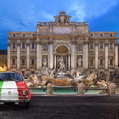 Voiture de Collection prés de la Fontaine de trevi Rome